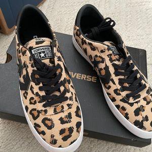 Converse leopard sz9 shoes nwb